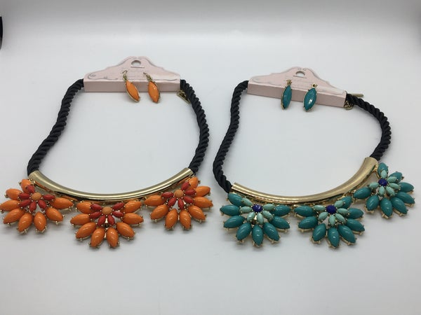 Color Stone Black Cord Necklace
