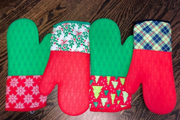 Holiday Silicone Oven Mitts