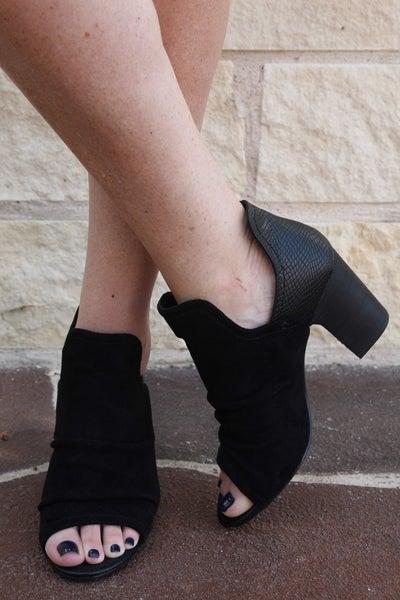 On Fleek Booties Black
