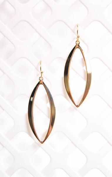 Leave You Breathless Earrings Gold