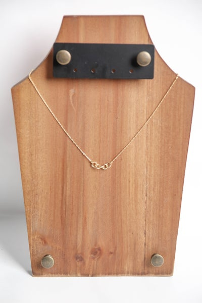 Linked In Necklace Gold