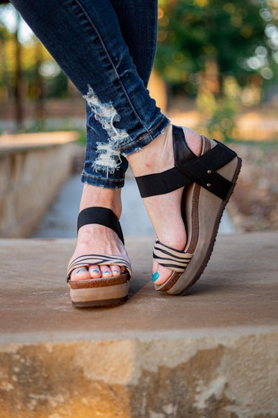 All The Rage Wedges Tiger *Final Sale*