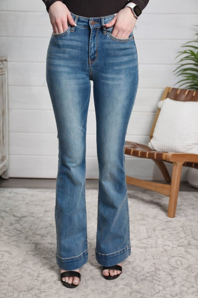 Feeling Fantastic In Flares Mid-Rise Flared Trouser Jeans