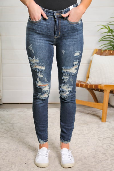 Distressed and Sassy Mid Rise Skinny Fit Jeans