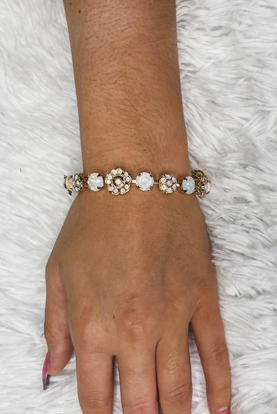 Victoria Lynn 8mm Flower Sparkle Bracelet - Cream