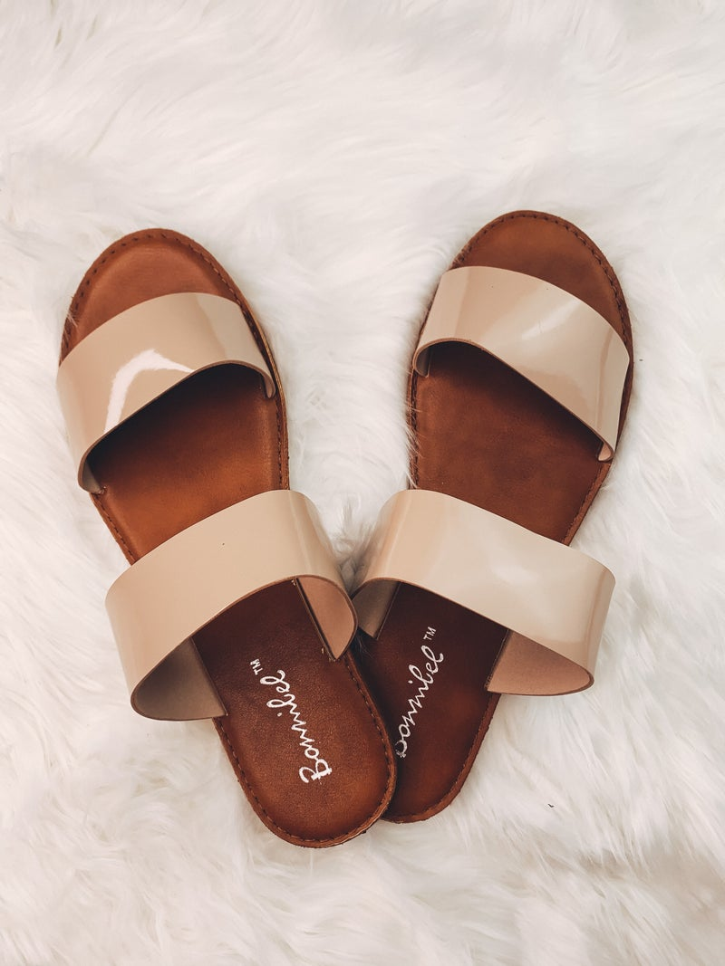 Play It Cool Sandals *Final Sale*