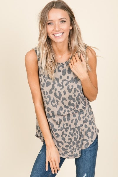 Sleeveless Relaxed Fit Leopard top