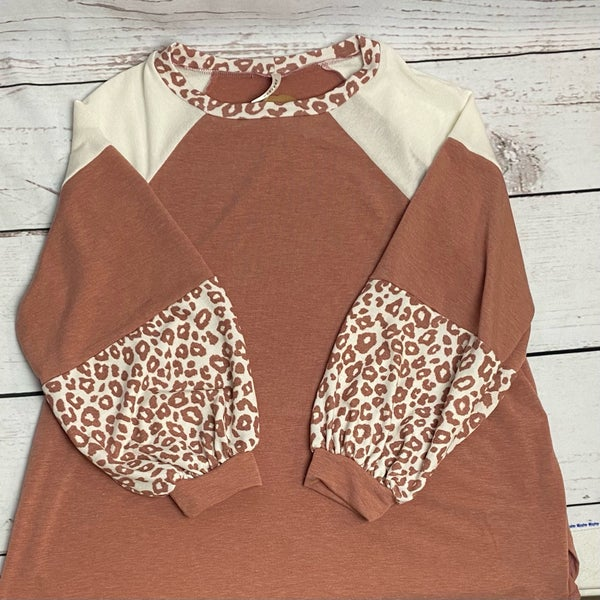 Soft Mauve Top with Cheetah Accents on Sleeve Plus Size