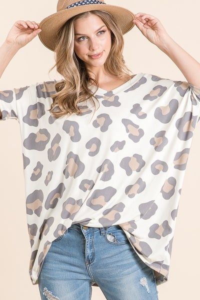 Short Sleeve V-Neck  Loose Fit Animal Print Tunic
