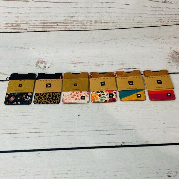 Thread Vertical Cardholder