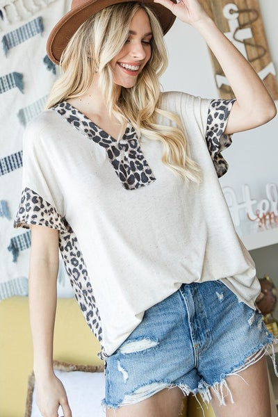 V-neck Animal Print Contrast Ruffle Sleeves Top {S-3X}