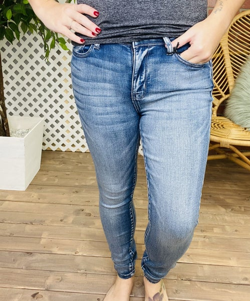 "Judy Blue ""Smooth Moves"" Non-Distressed Jeans"
