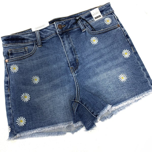 "Judy Blue ""Driving Me Daisy"" Shorts"