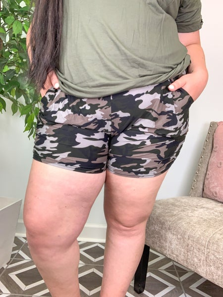 Lounge with Comfort Shorts (18 Patterns)