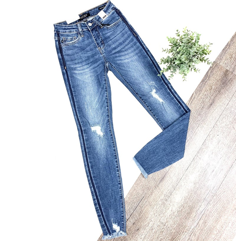 Judy Blue Frayed Ankle Distressed Skinny Jeans