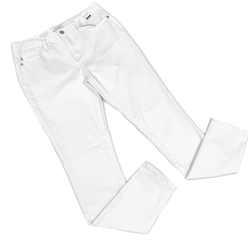 """Judy Blue """"Keep It Casual"""" White Jeans"""