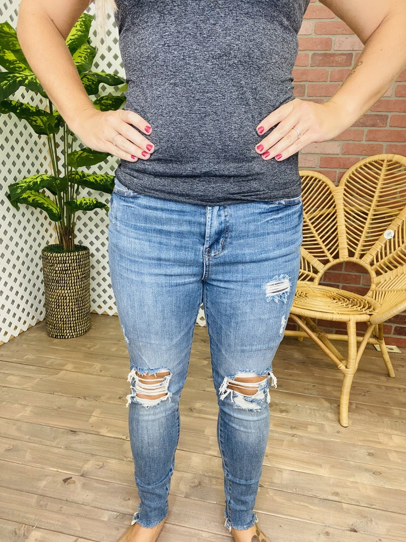 "Judy Blue ""On The Move"" Distressed Jeans"