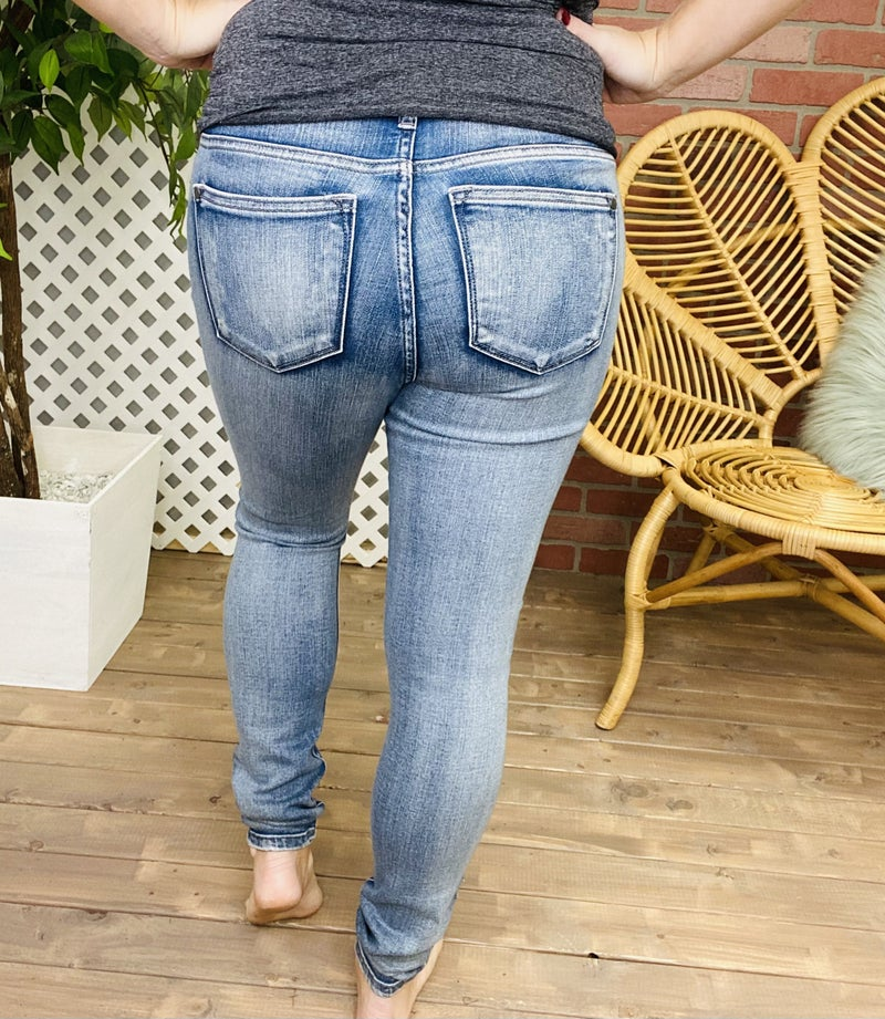 """Judy Blue """"Smooth Moves"""" Non-Distressed Jeans"""