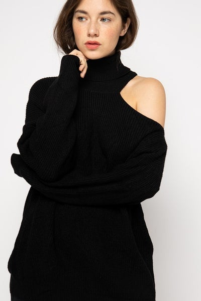 &Merci - Turtle Neck With Off Shoulder Detail Sweater