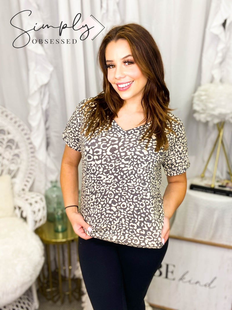 Sew In Love - Short sleeve animal print top with pocket (plus)