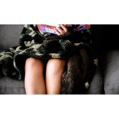Julia Rose - Cozy sherpa/fleece blanket