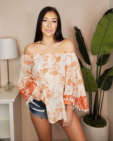 Chrysanthemum - Floral tops with puffy detail on sleeves