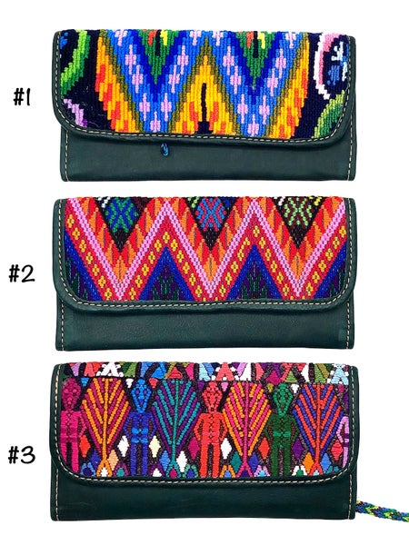 Hiptipico - Aztec design hand crafted leather wallet