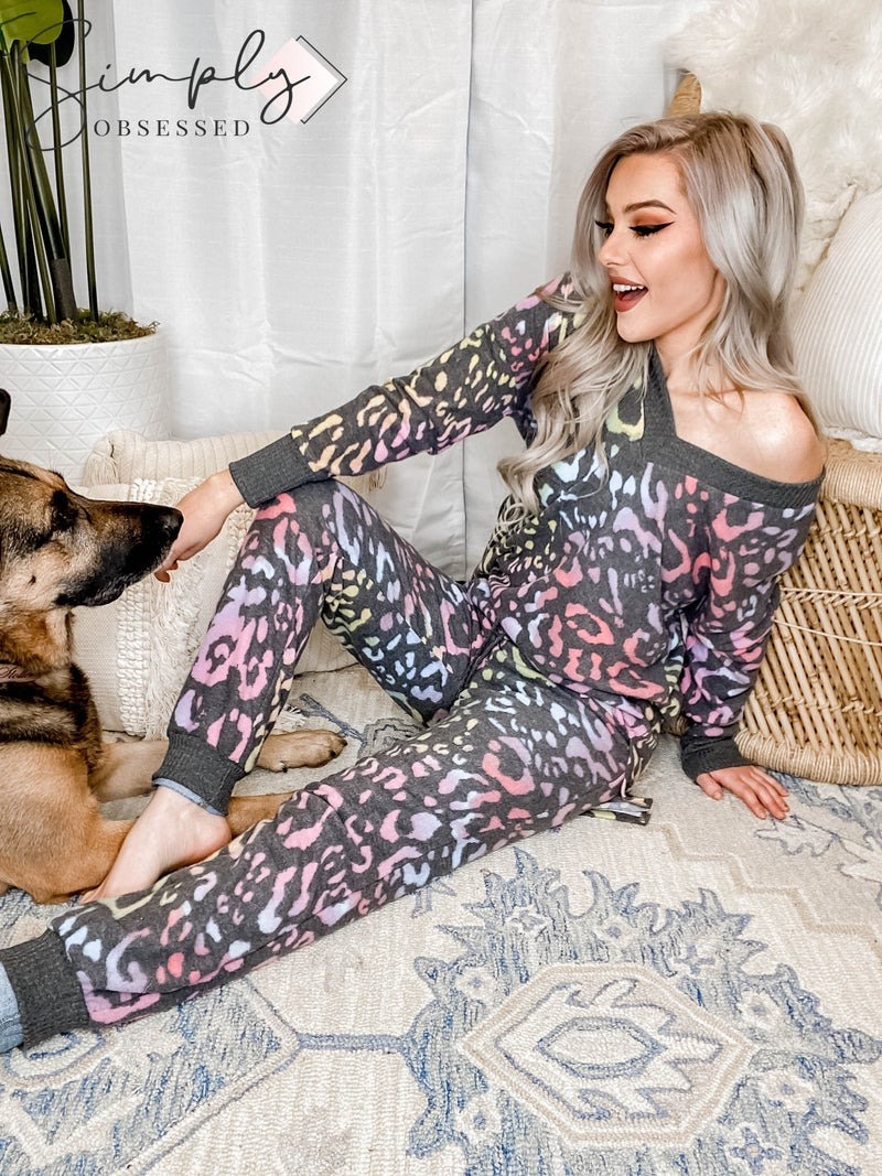 White Birch - Leopard print long sleeve v neck and joggers 2 piece set(All Sizes)