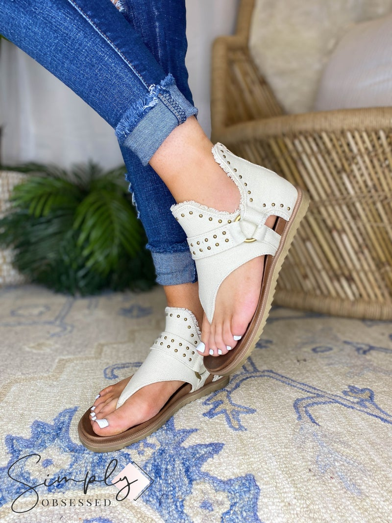 Very G - Open Toe Sandal With Heel Support and zipper detail