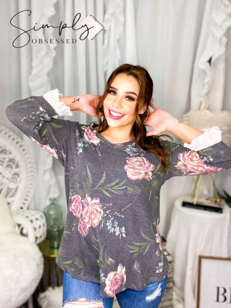 HONEY ME-3/4 SLEEVE WITH RUFFLE END AND FLORAL PRINT
