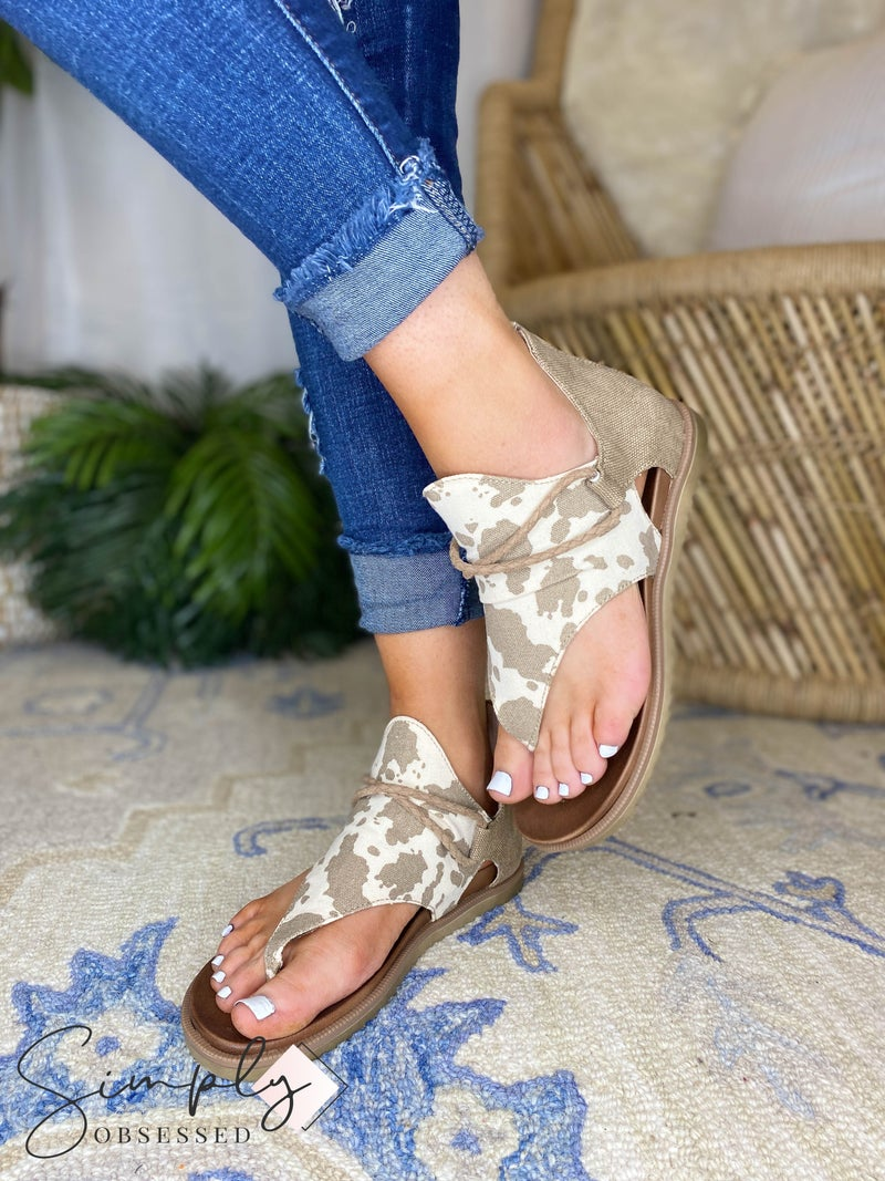 Very G - Open Toe Sandal With Zipper Detail