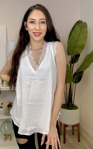 Mai Soli- Solid sleeveless lace v-neck