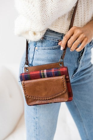 Jen & Co - Whipstitch edge wallet/crossbody with multi compartments and adjustable crossbody strap