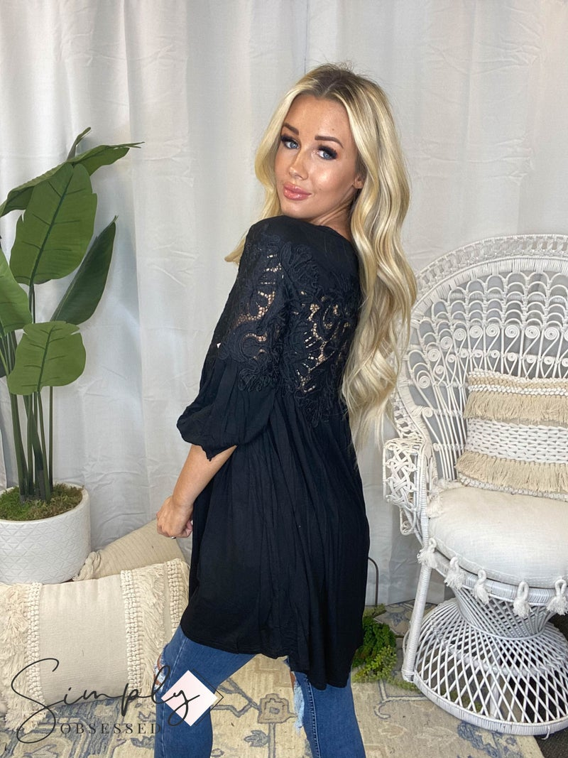 CY Fashion - 3/4 sleeve lace detail top
