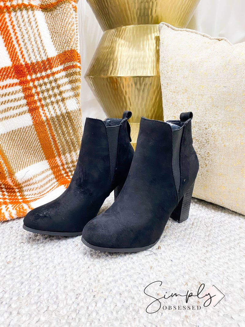 Chase + Chloe - Pointed toe chunky heel booties