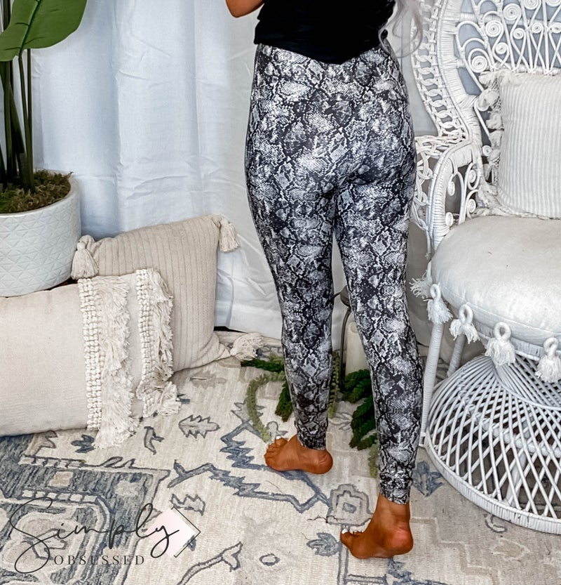 Orlando Peach Love & Fantastic Fawn Pre-Sale - Animal Printed Long Leggings