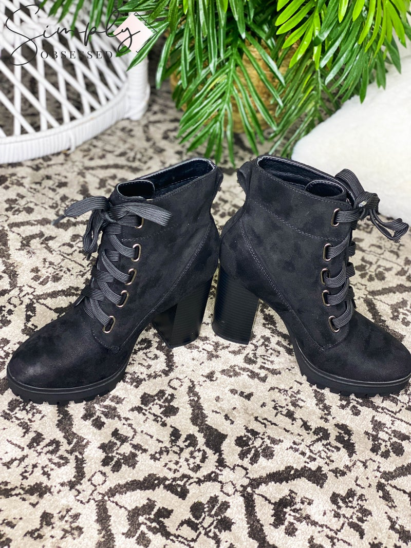 Soda Shoes - Heeled platform lace up booties