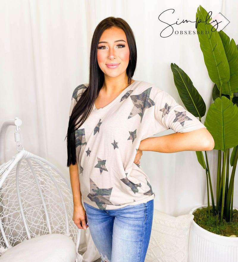 White Birch - Short sleeve star print knit top w/ pocket