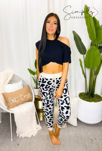 WHITE BIRCH-Leopard Print Knit Pants With Side Pockets