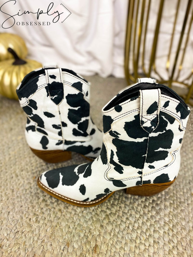 RIDER GIRL-WESTERN POINTY TOE MID CALF BOOTIES