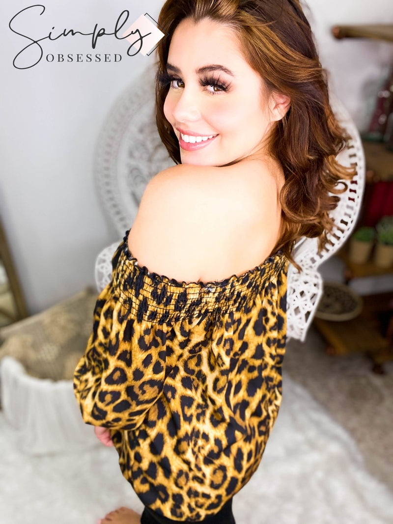 Hailey & Co - Smock and ruffle detail neckline animal print off shoulder top
