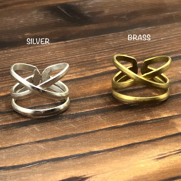 WORLD FINDS - Cross Band Ring