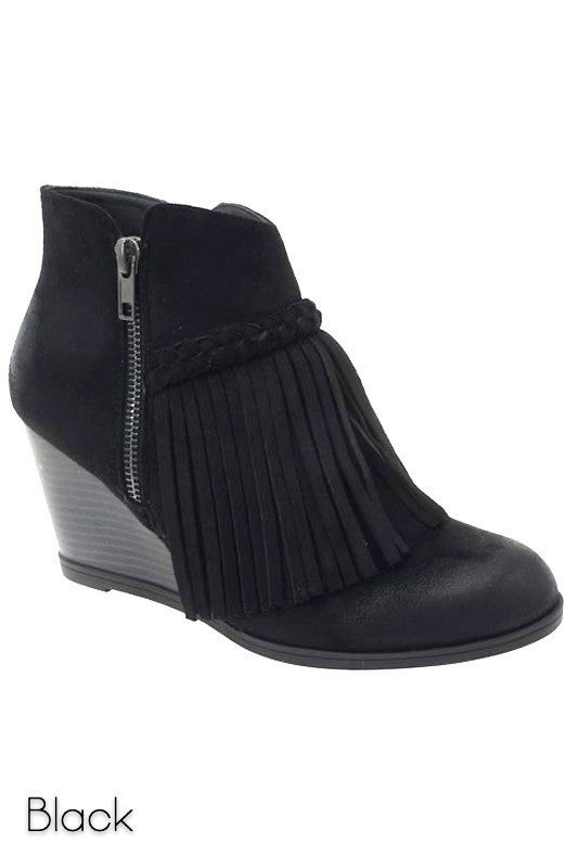 Pierre Dumas - Wedged ankle boot with tassel detail
