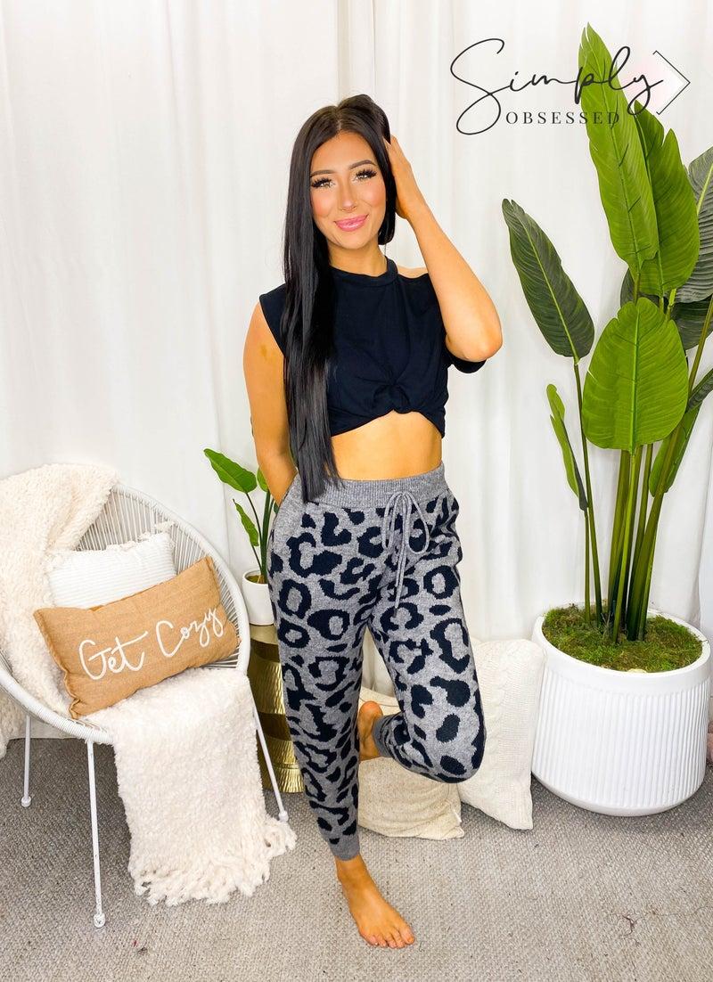 WHITE BIRCH-Leopard Print Knit Pants With Side Pockets
