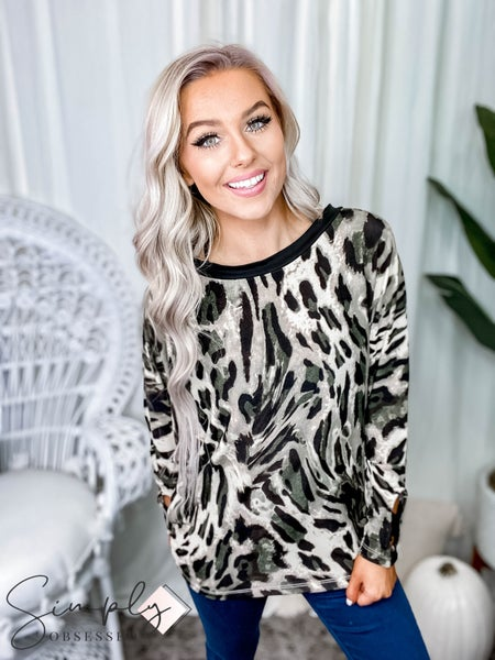 White Birch - Long sleeve leopard print knit top