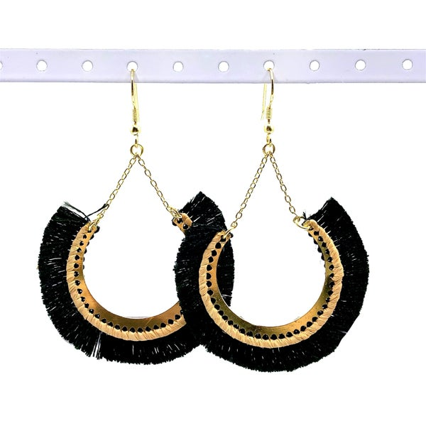 WORLD FINDS - Contoured Fringe and Gold Earrings
