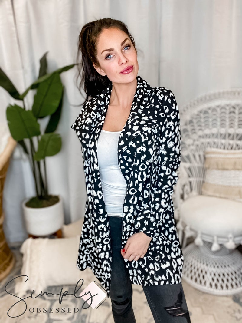 Andree By Unit - Long Sleeve Jacket Zipper Front Detail