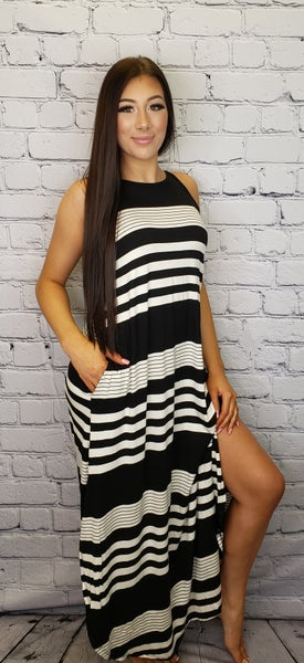Hailey & Co - Verigated stripes sleeveless maxi dress with pocket