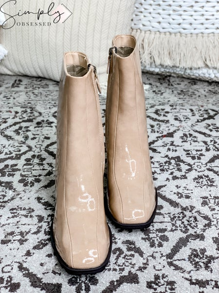 Naked Feet - Shiny Boot with Heel and Side Zipper
