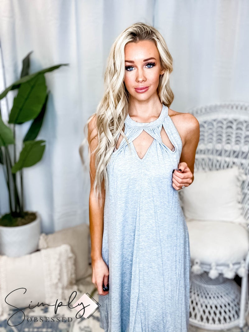 Sleeveless knit dress with front cutout twisted detail